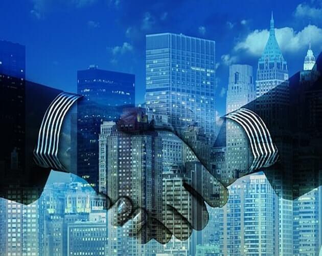 manos haciendo alianza