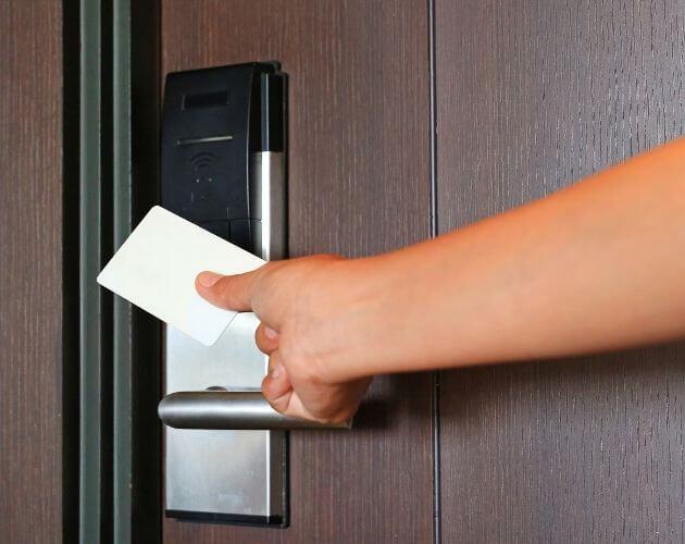 lector de tarjetas para entrada y salida